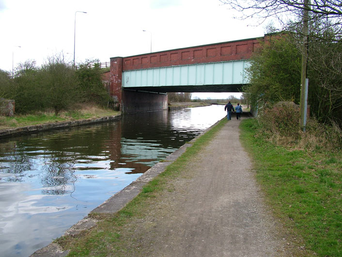 East Lancs Road bridge (Bridge 60)