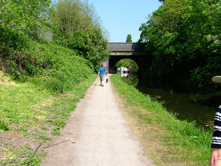Quite busy in Preston with decent towpath