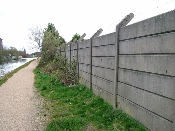 Ugly concrete sectioned fencing