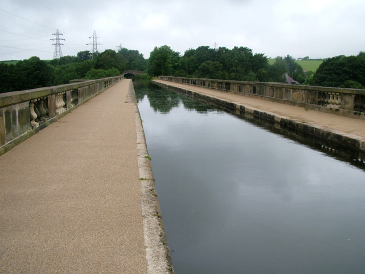 On the Lune aqueduct (Bridge 107)