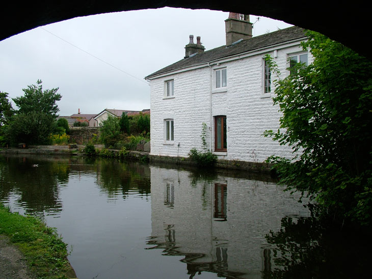 Canalside cottage by Hest Bank bridge